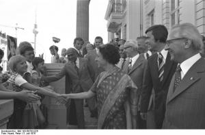 Photo: Besuch Indira Gandhi, Berlin 1976, by Peter Koard, Bundesarchiv Bild 183-R0703-026 , CC-BY-SA 3.0